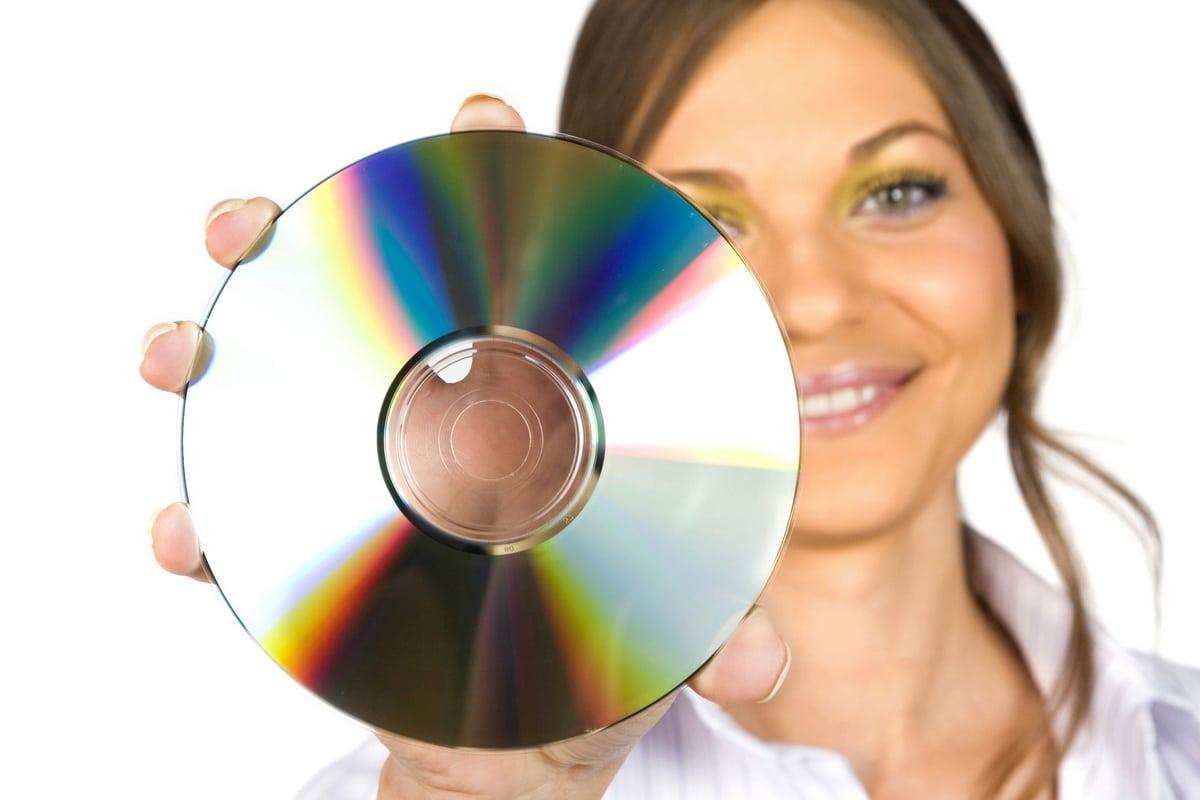 Девушки и сд-диски фото