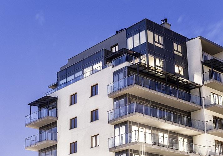 Branża nieruchomości spodziewa się w tym roku odbicia po pandemii -budynek mieszkalny