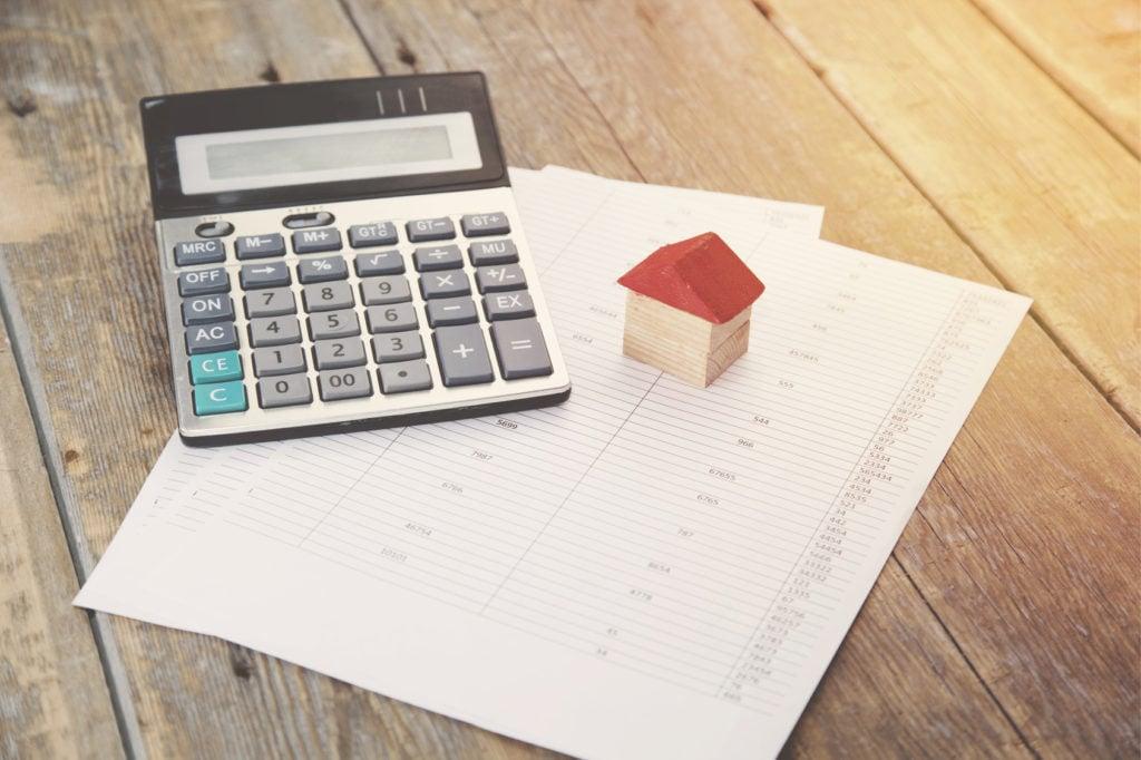 Polisa na życie przy kredycie hipotecznym - kalkulator i dokumenty