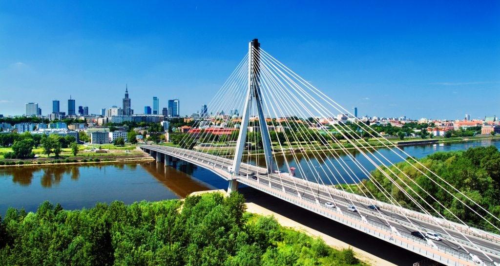 Polskie miasta – które cieszą się największym zainteresowaniem inwestorów? - Most Świętokrzyski w Warszawie