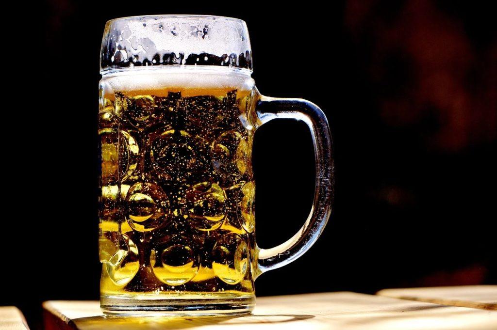 Podwyżka akcyzy na piwo nie jest planowana - kufel piwa